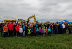 2018 Groundbreaking_Large Groupresize2